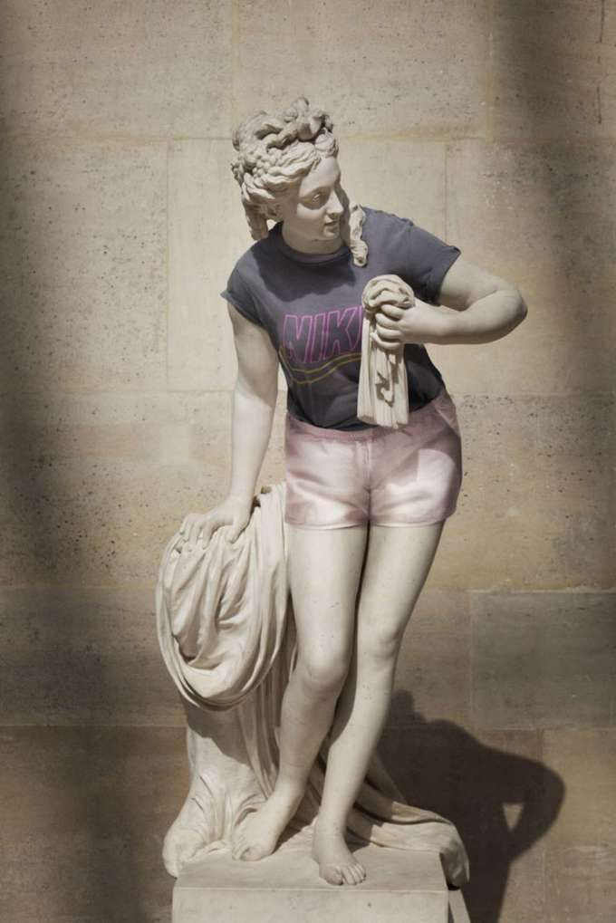 Advertising-Campaign-Ancient-Greek-sculptures-dressed-up-in-hipster Advertising Campaign : Ancient Greek sculptures dressed up in hipster clothing.