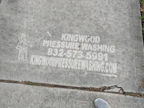 Advertising-Inspiration-A-very-clever-way-to-advertise-a Advertising Inspiration : A very clever way to advertise a power washing business on the...